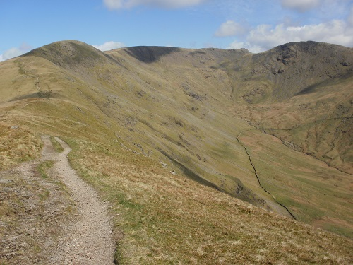 The main path just below Great Rigg's summit and onwards towards Fairfield