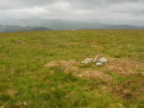 The unimpressive pair of cairns on Wether Hill summit