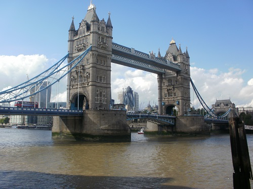 Tower Bridge, one of the many attractive bridges on the walk